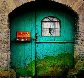 lizzyB_loves_colorful_doors_4 (2)